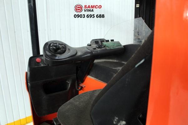 buồng điều khiển xe nâng điện đứng lái