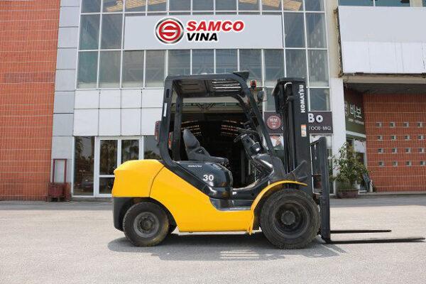 Xe nâng dầu Komatsu 3 tấn nâng cao 3 mét