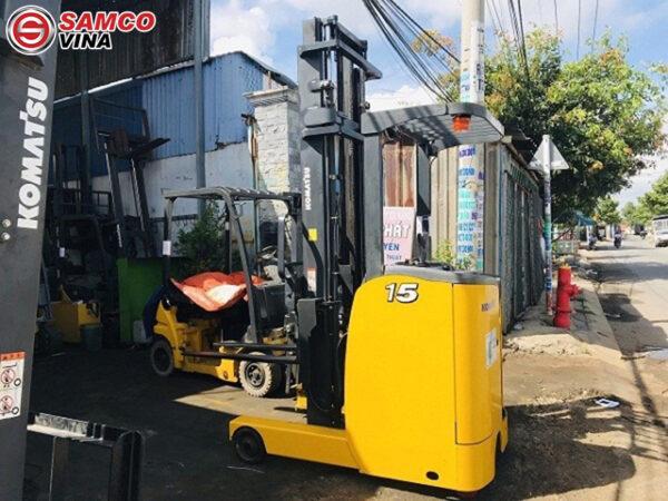 giá xe nâng điện đứng lái komatsu 1.5 tấn