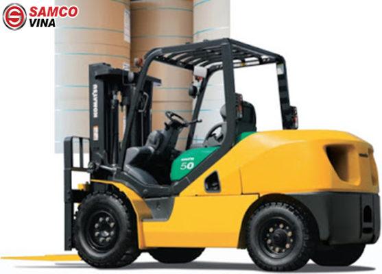 ứng dụng xe nâng hàng komatsu 5 tấn