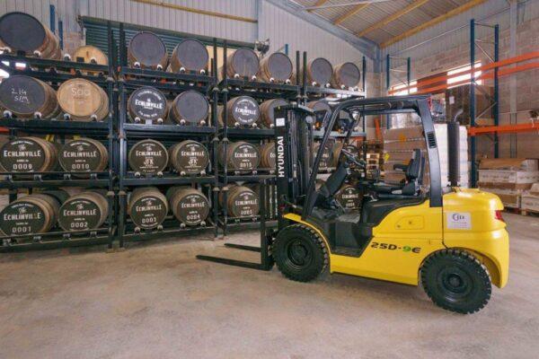 Xe nâng dầu Hyundai 3,3 tấn được cải tiến giúp nâng cao hiệu quả sử dụng