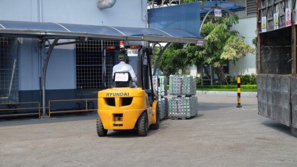 Xe nâng dầu Hyundai 5 tấn với công nghệ hiện đại, cung cấp cho bạn hiệu suất và năng suất cao nhất.