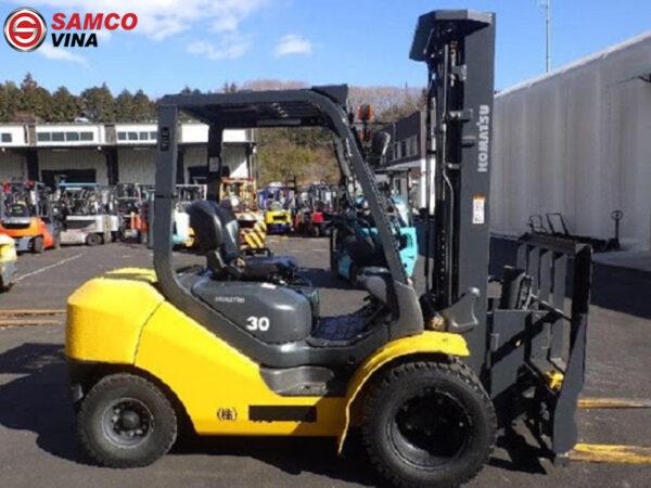 xe nâng dầu komatsu 3 tấn