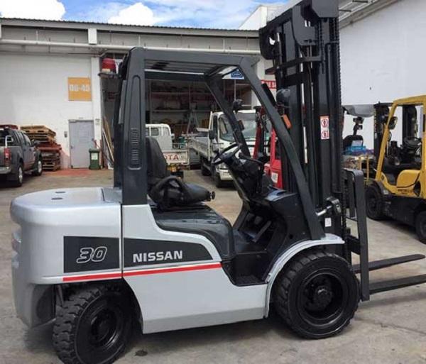 Xe nâng dầu Nissan 3 tấn YGJ02A30