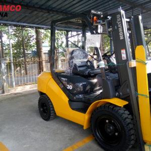xe nâng dầu komatsu 3 tấn FD30T-17