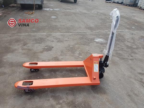 Xe nâng tay thấp 2.5 tấn HPT25 được ứng dụng một cách rộng rãi