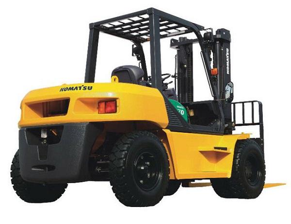 Xe nâng 7 tấn Komatsu sử dụng động cơ hoạt động bền bỉ
