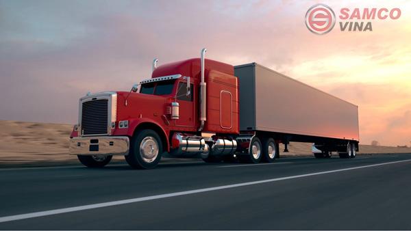 Nghề lái xe container sẽ tương đối vất vả, do đó trước khi quyết định theo nghề, bạn nên cân nhắc nhiều yếu tố