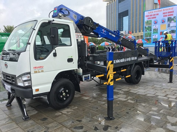 Xe nâng người Isuzu – Socage chiều cao làm việc 6m – 24m